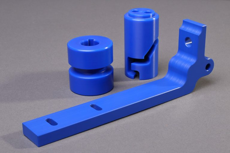 cnc-drehen-kunststoff-zerspanen-polyoxymethylene-pom-blau-sm-kunststoff-lebensmitteltechnik-wasseraufbereitung-sicherheitstechnik-medizintechnik