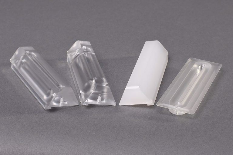 cnc-fraesen-drehen-sm-kunststoff-ladenbau-sicherheitstechnik-elektrotechnik-medizintechnik-durchsichtiger-kunststoff-lackiert-anlagenbau-maschinenbau-polymethylmethacrylat-pmma
