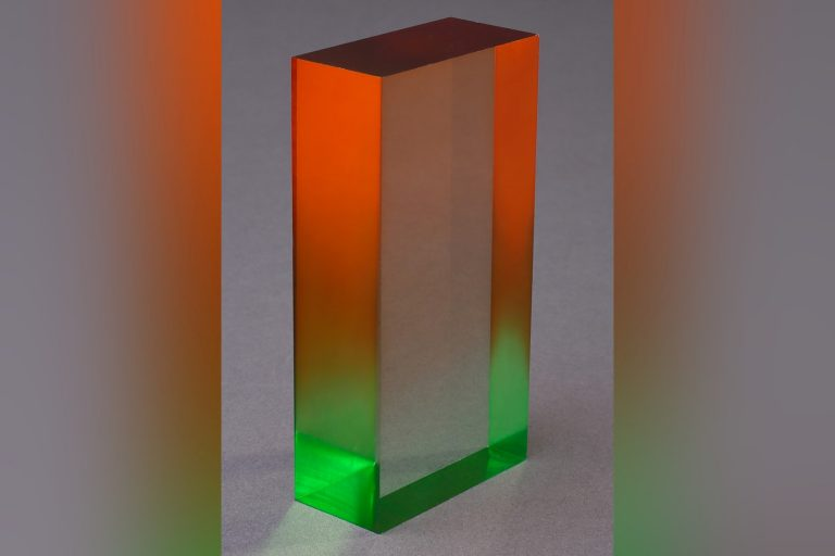 smkunststoff-pmma-plexi-cnc-drehen-fraesen-lasern-ladenbau-kunststoffverarbeitung-medizintechnik-kunststoffschweissen-coating-coated-kunststoffkleben-kunststoffgewinde-kunststoff
